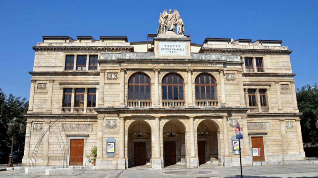 Teatro Vittorio Emanuele II 1.jpg