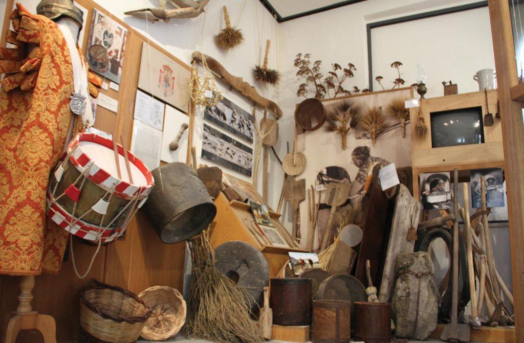 Museo-di-Cultura-e-Musica-popolare-dei-Peloritani-2.jpg