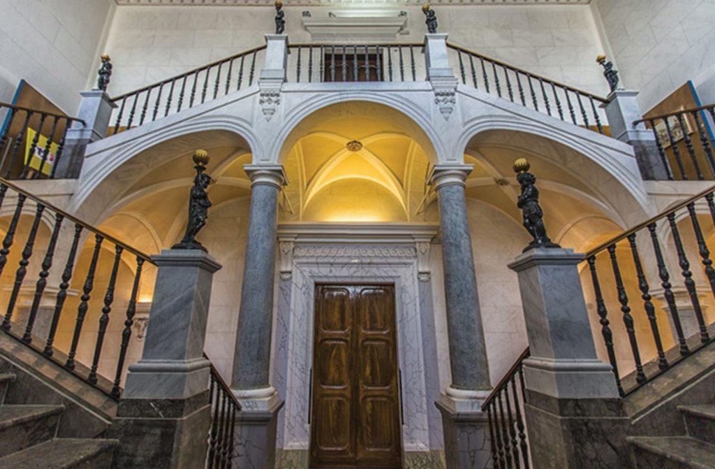Palazzo-della-Provincia-Il-magnifico-palazzo-1.jpg
