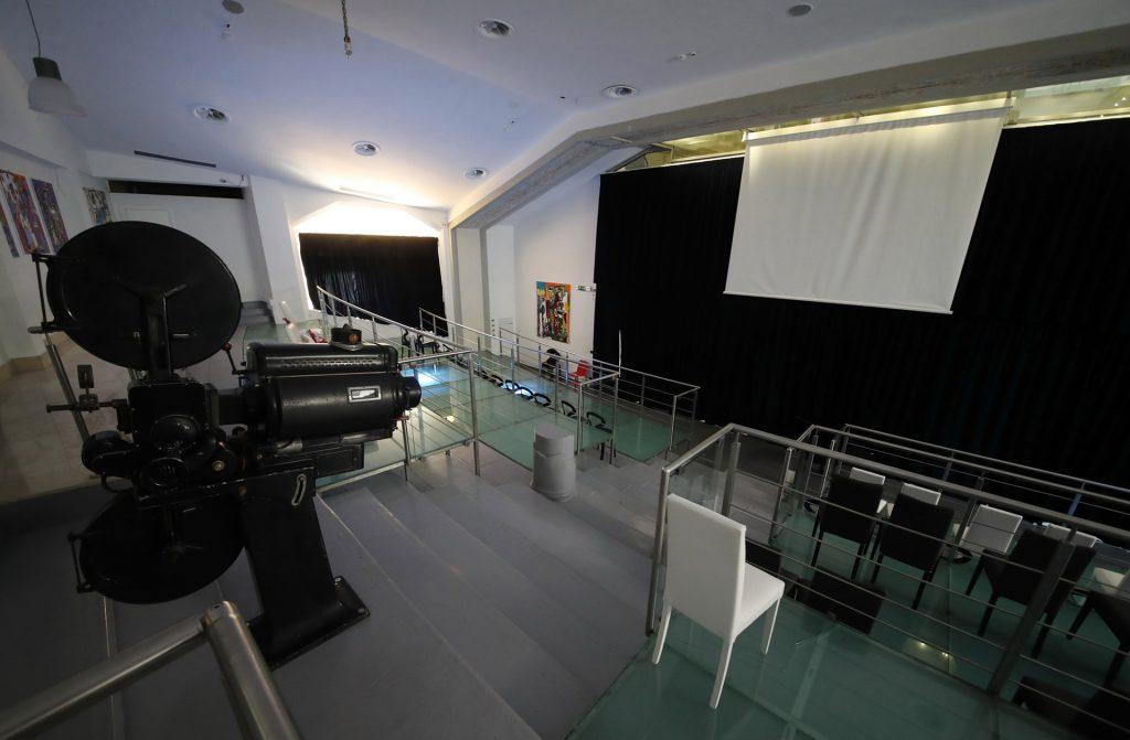 32 cinema a palermo.JPG