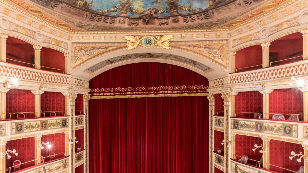 Teatro Comunale 1.jpg