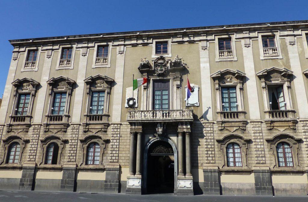 Catania_-_Comune_di_Catania_-_panoramio_(1).jpg