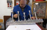 2. Il maestro Piero Accardi al lavoro.JPG