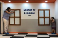 MOI-(MUSEUM-OF-ILLUSIONS)-4.jpg