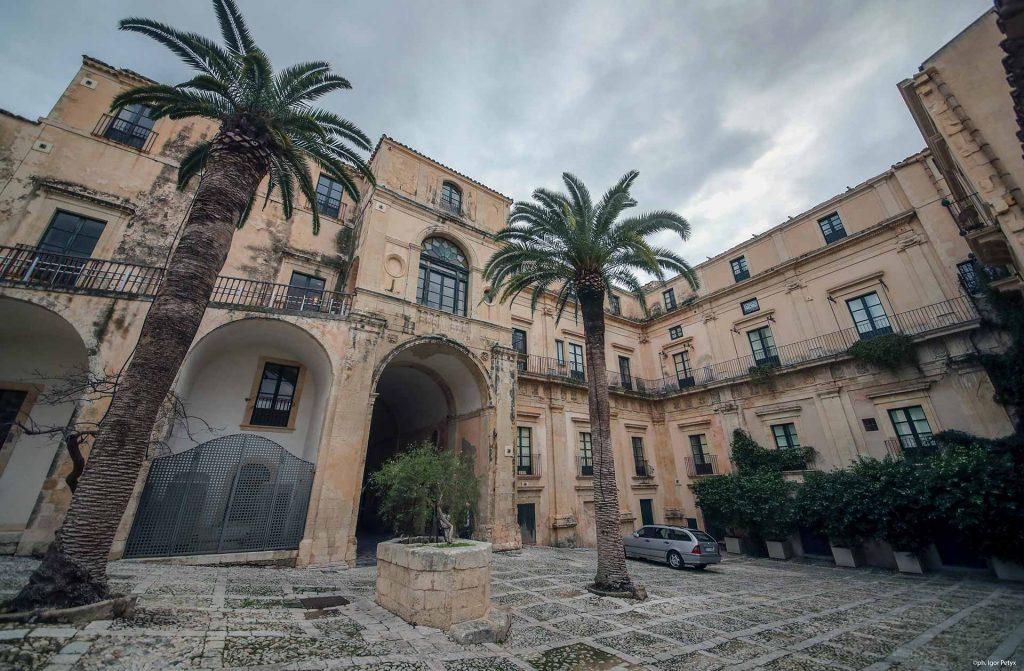 Palazzo-Nicolaci-di-Villadorata-6.jpg