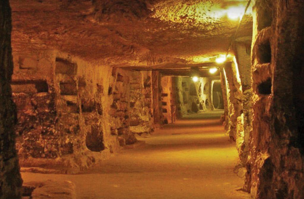 Catacomba-di-Santa-Lucia.jpg