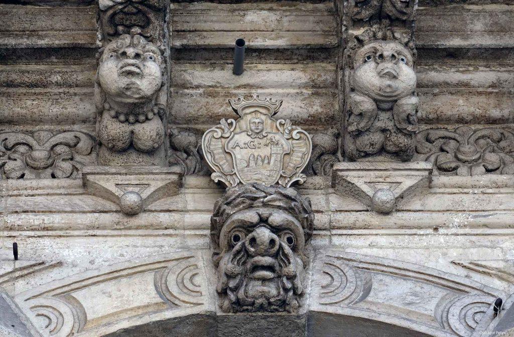 Palazzo-del-municipio-acireale-1.jpg