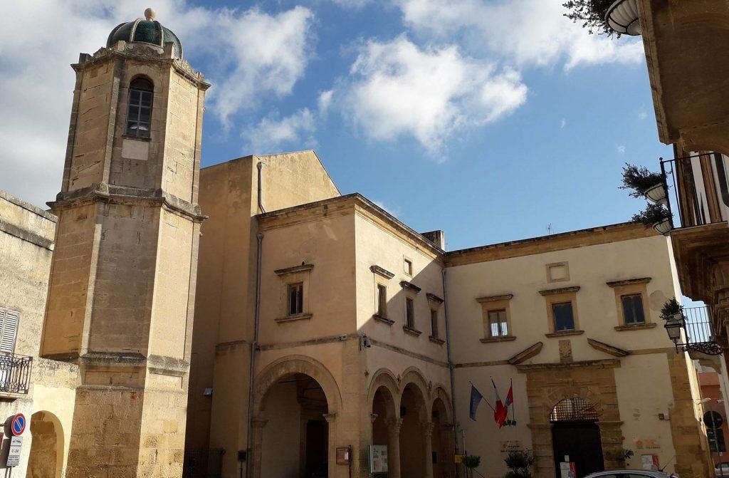 Campanile-Convento-del-Carmine-1.jpg
