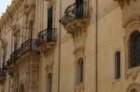 Palazzo-Trigona-di-canicarao.jpg