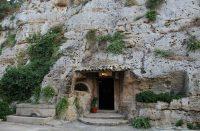 Grotta-Centoscale-1.jpg