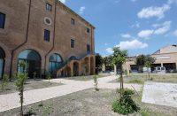 Palazzo-Ajutamicristo-1.jpg