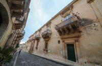 Palazzo-Nicolaci-di-Villadorata-3.jpg